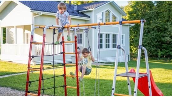 Зачем нужен детский спортивный комплекс на дачном участке